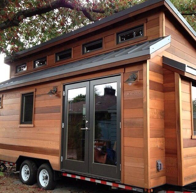pingl par tionna herrin sur tiny home ideas pinterest mini maison minis et maisons. Black Bedroom Furniture Sets. Home Design Ideas
