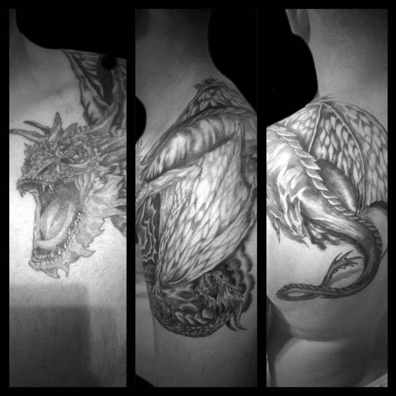 Tatuaż Smoki Na Klatce Barku Ramieniu I łopatce Wykonany