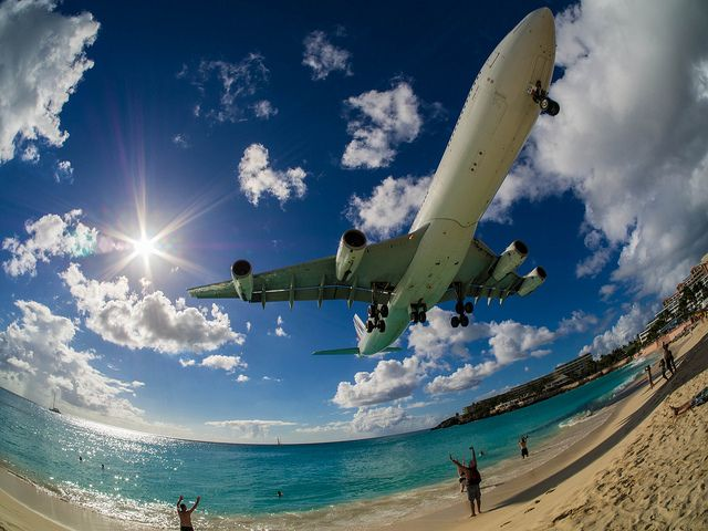 Maarten beach st airport
