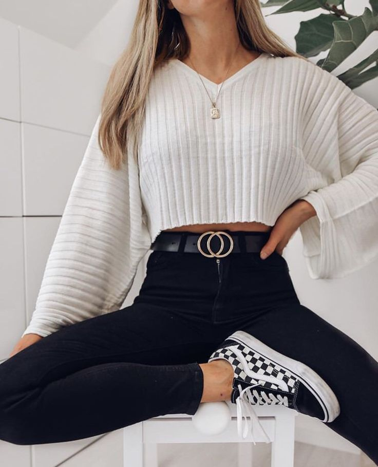 Brown Crew Neck Long Sleeve Women Crop Sweatshirt #outfitinspo