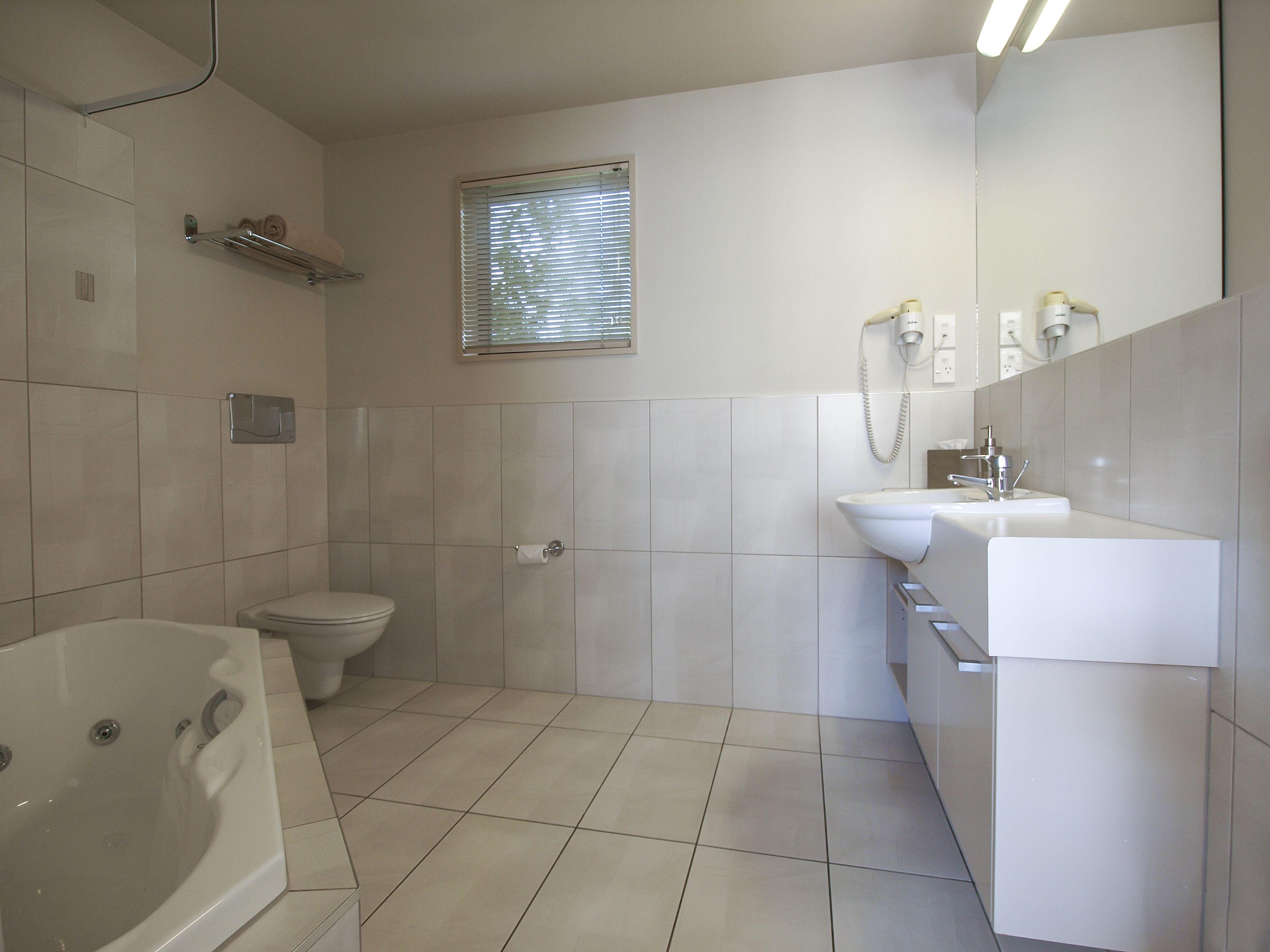 Master bedroom kitchenette  Beautifully appointed upmarket Italian livingu Kingsize bed u able