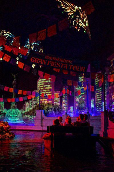 Tom Bricker's (Disney Tourist Blog) take on World Showcase: Borefest or Brilliant?