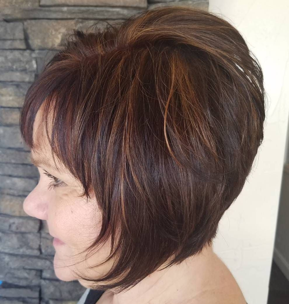 classy and simple short hairstyles for women over brunette