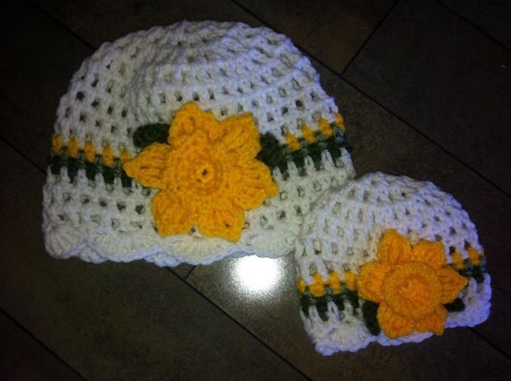 Daffodil hats- girls with matching one for her dollie