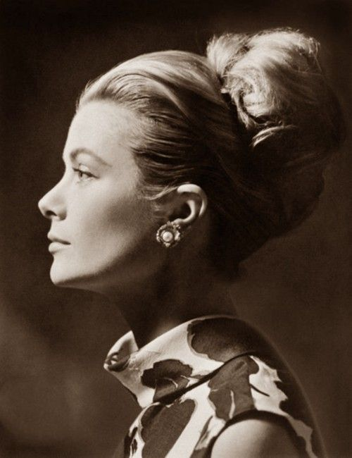 perfect profile of grace kelly