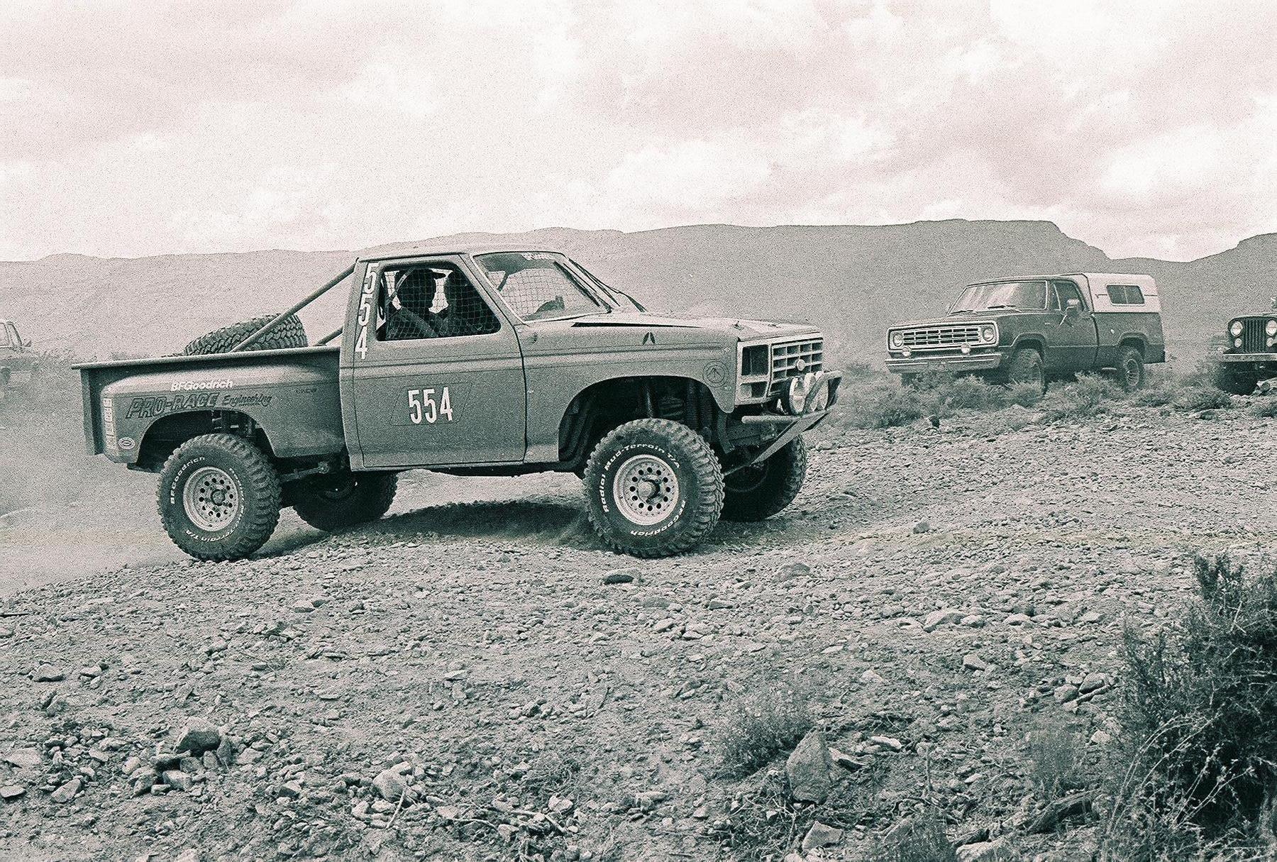 Ultimate Class 8 Photo Thread | race-deZert | Ford Trucks