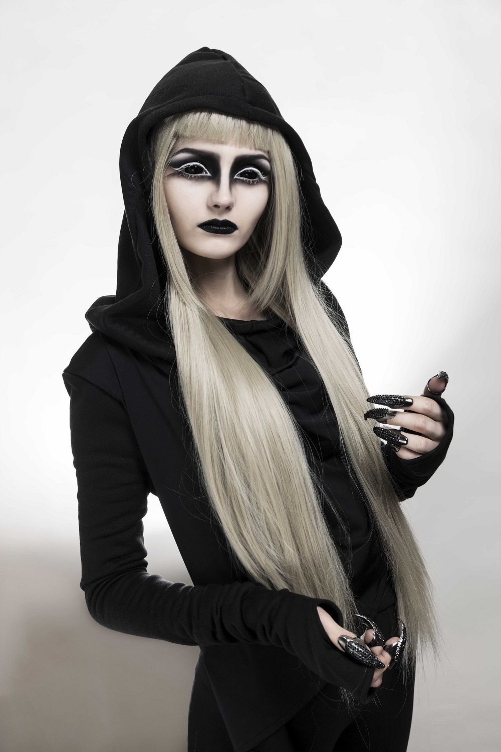 Pin by ScleraXL on Black Sclera Contacts Angel halloween