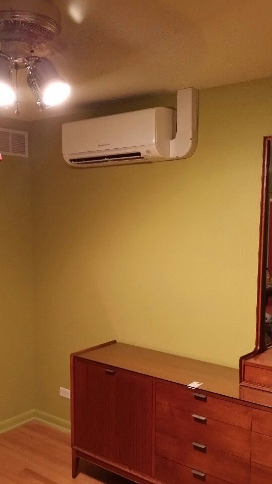 Indoor Mitsubishi Unit Mounted On An Interior Wall W Concealed Power Refrigeration And Air Conditioning Electronics Store Design Heating And Air Conditioning