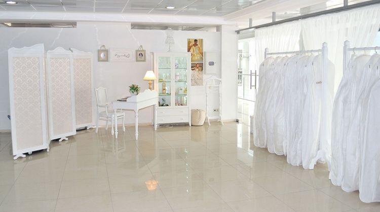 755ac4bd59c3458 интерьер маленького свадебного салона: 22 тыс изображений найдено в  Яндекс.Картинках