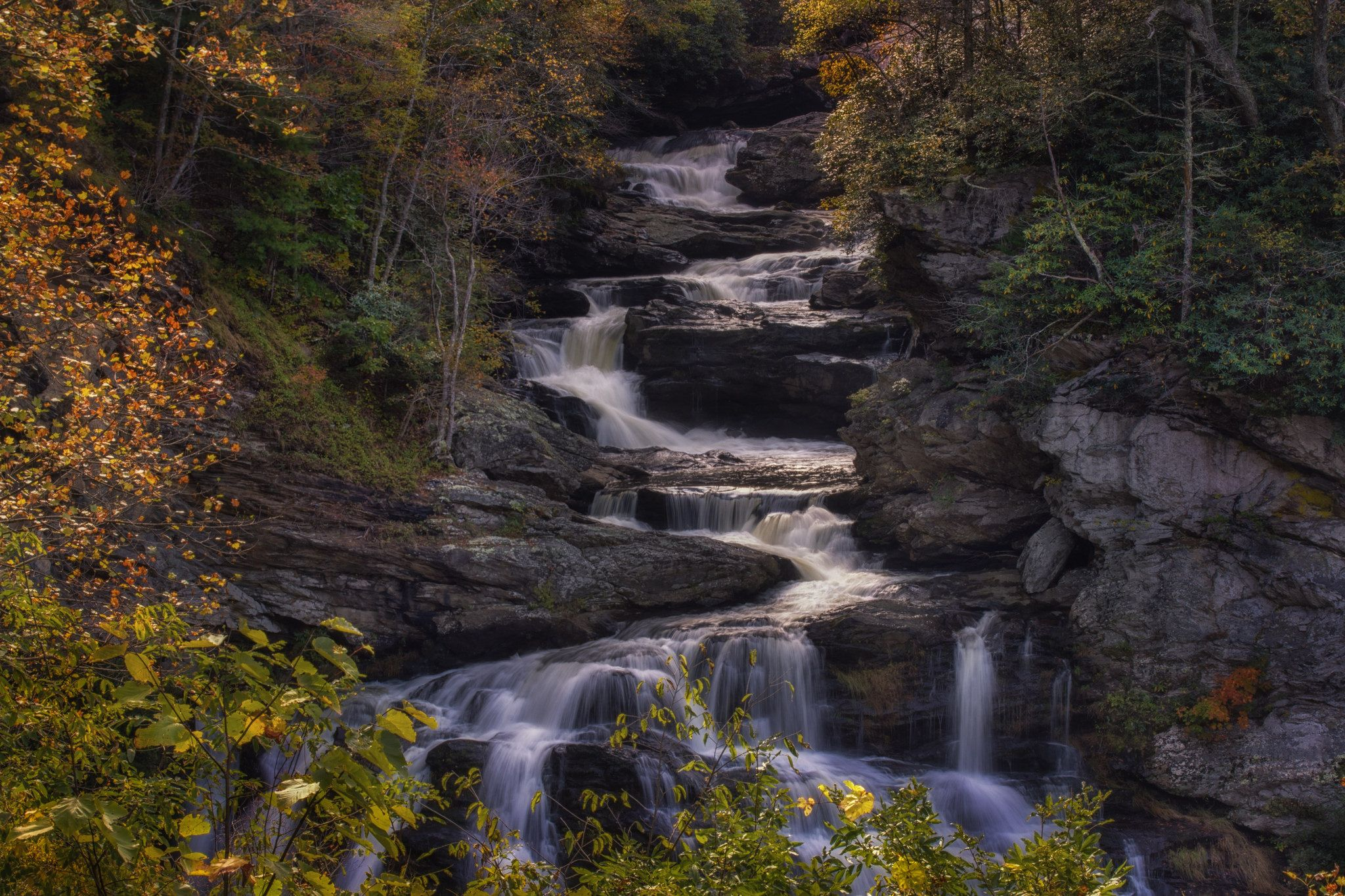 https://flic.kr/p/zDFN1y | Cullasaja Falls | Just down the river from Dry Falls (also called Upper Cullasaja Falls) is Cullasaja Falls right off the road near Highlands, NC