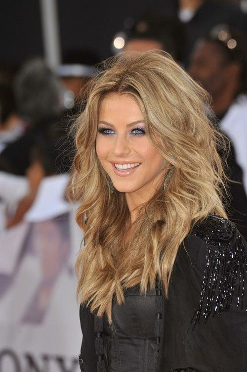 Dark blonde. This would be my hair color if I didn't dye it so why can't I pull it off like her??
