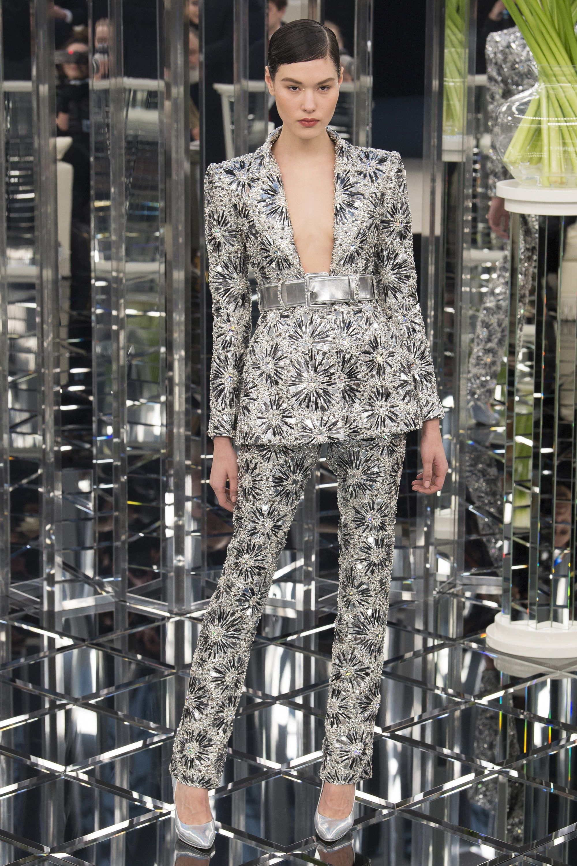 Chanel Spring 2017 Couture Fashion Show | Chanel spring, Couture ...