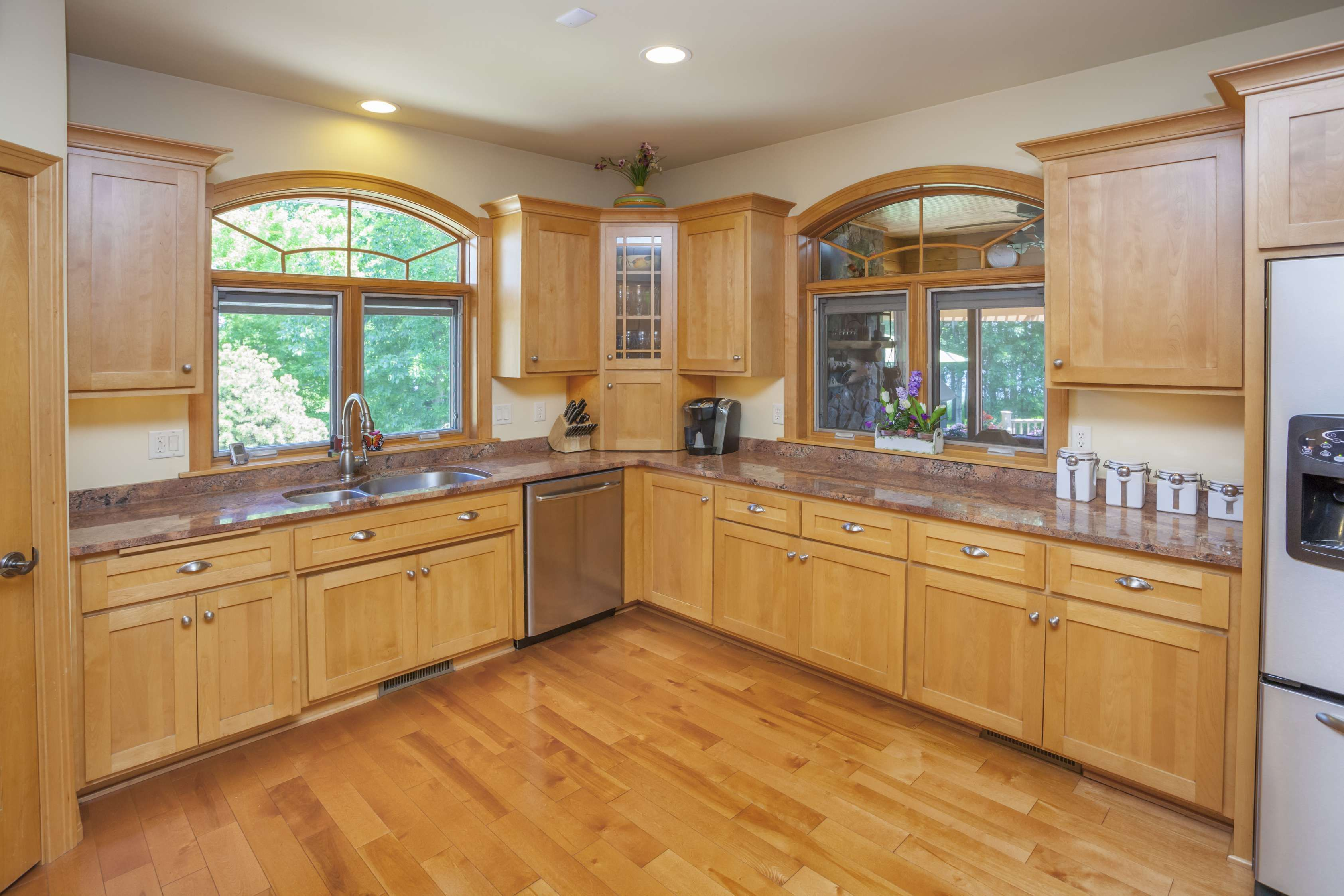 15 Fancy Best Color Of Kitchen Cabinets Color Of Wood Gallery Check More At Maple Kitchen Cabinets Maple Cabinets Kitchen Cabinets Color Combination
