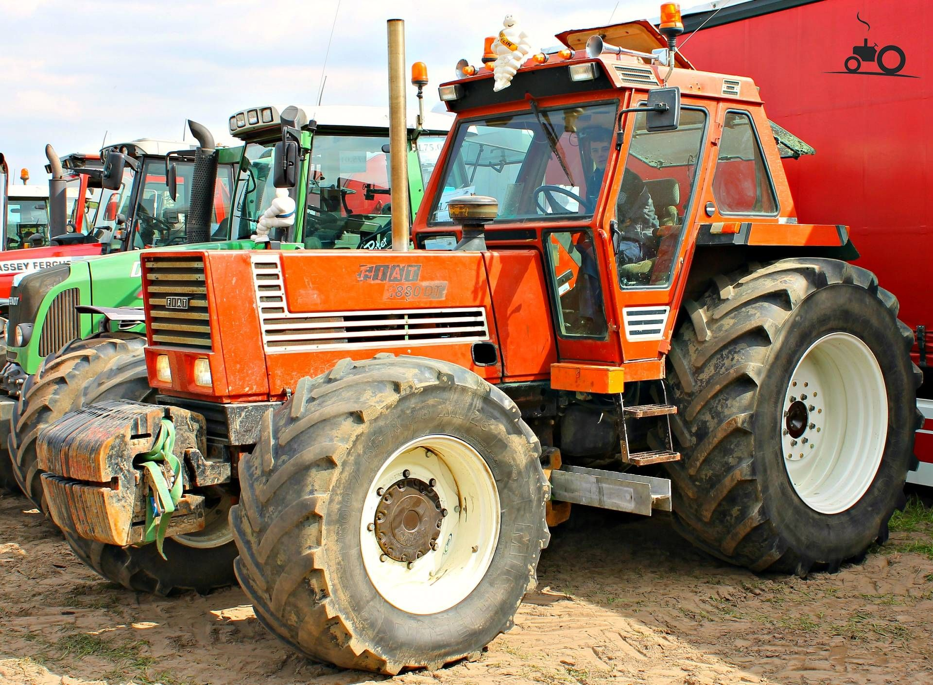fiat 1880 dt tractor mania pinterest fiat and tractor rh pinterest com Fiat Hesston Tractors 4WD Fiat Tractor Parts