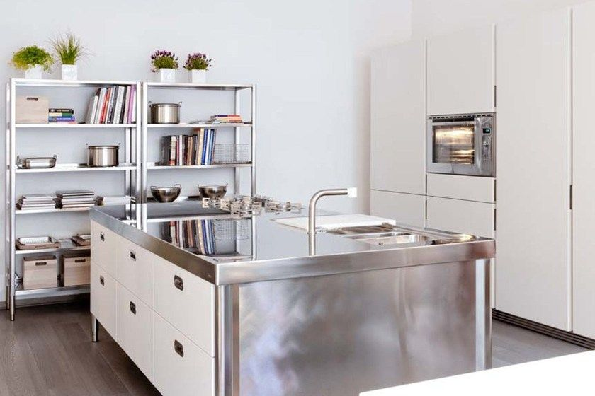 cucina isola acciaio