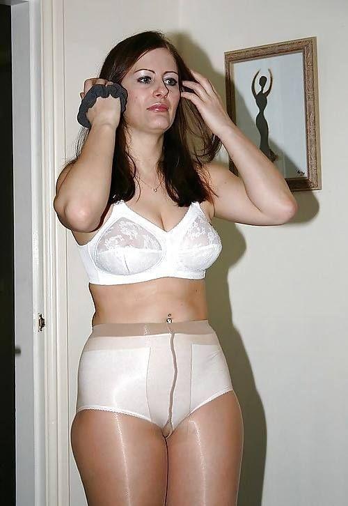 Sexy Mature Women. http://hookamilf.com | Nylon and ...