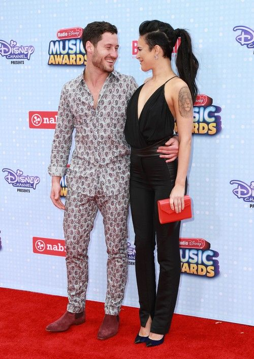 is max still dating peta Ladies love to look at maksim chmerkovskiy  maks chmerkovskiy and vanessa lachey are still around on dancing with the stars  maksim chmerkovskiy and peta .
