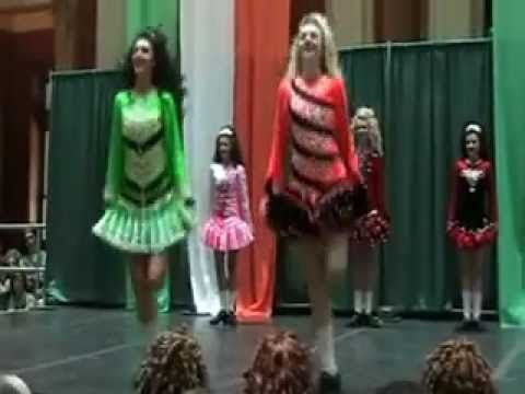 Treble Jig Featuring Corda Mor Irish Dancers I Love Watching These Girls Can T Get Enough Of The Corda Mor Dancers Irish Dancers Irish Dance Irish Style