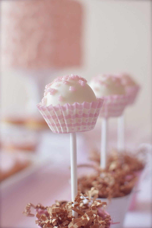 Mesa dulce baby shower para celebrar el bautizo de una - Mesas dulces para ninas ...