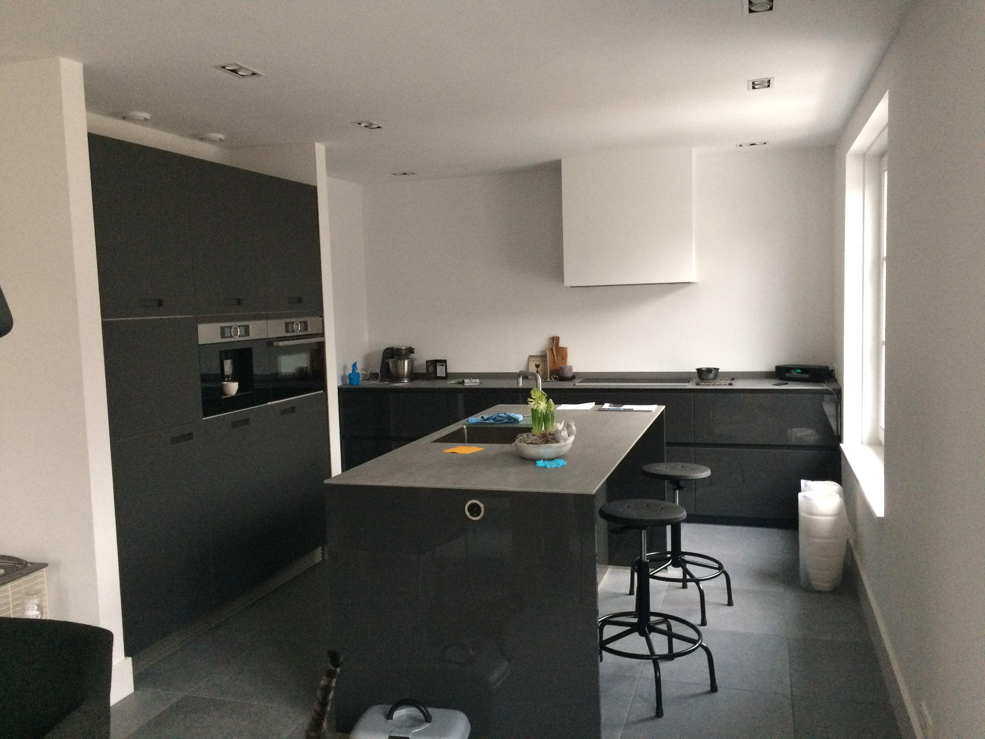 Next keuken lava zwart keuken
