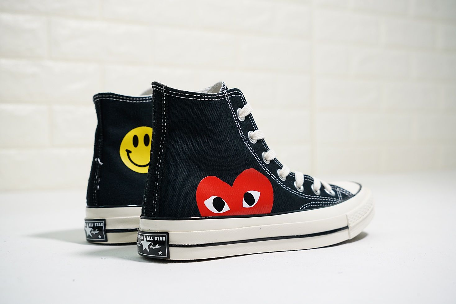 368c88831c3 CONVERSE ALL STAR HIGH COMME DES GARCONS PLAY 142335C SMILEY FACE ...