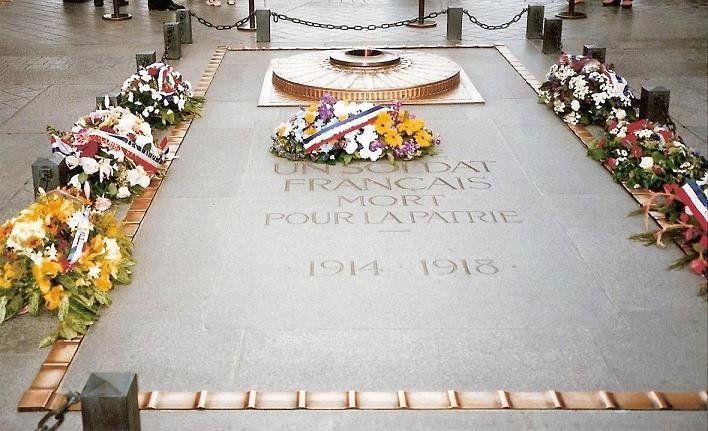 Tombe Soldat Inconnu En France Une Tombe Du Soldat Inconnu A Ete