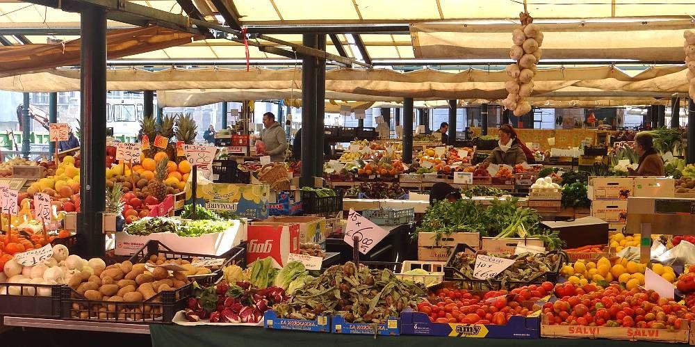 Rialto Markets | Venice | Rialto market, Venice, Italy