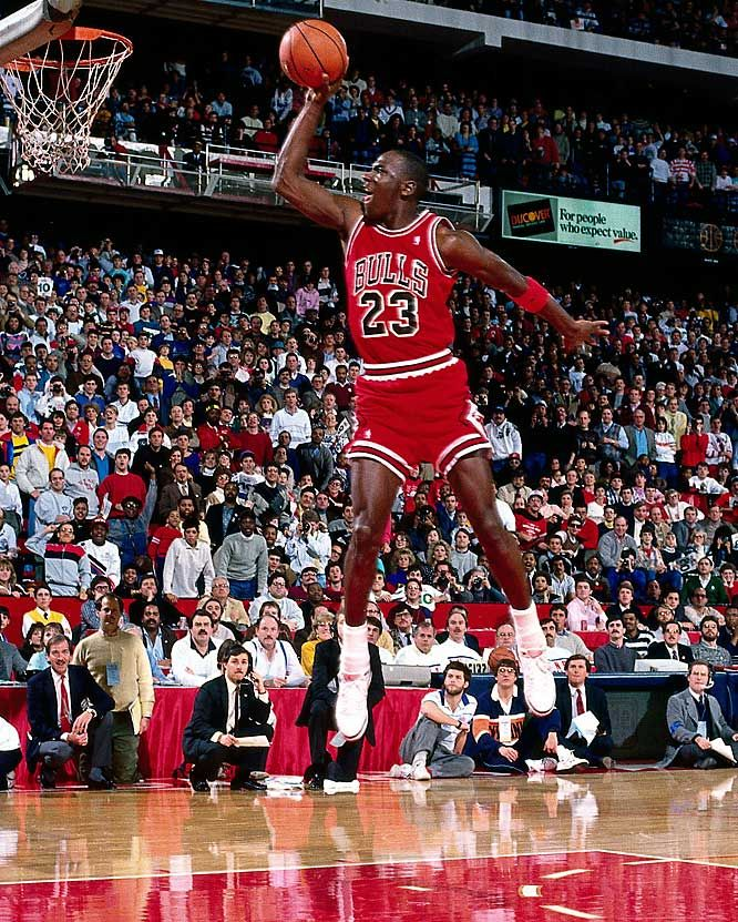 best website f9526 e7492 In what s widely regarded as the best dunk contest of all time, Jordan  edged Dominique Wilkins in the 1988 event in Chicago.