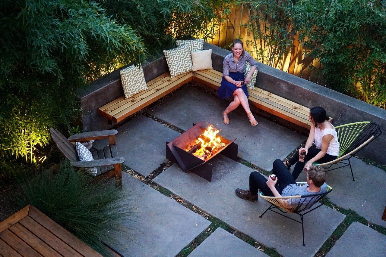 Buying A Fire Pit Or Looking For Outdoor Fire Pit Ideas Our Flat Pack Fire Pits Are Durable And Modern In Desig Backyard Fire Pit Patio Backyard Patio Designs Modern backyard fire pit ideas