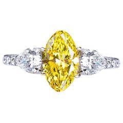 Fancy Vivid Yellow 1.80 carat Oval Diamond Engagement Ring