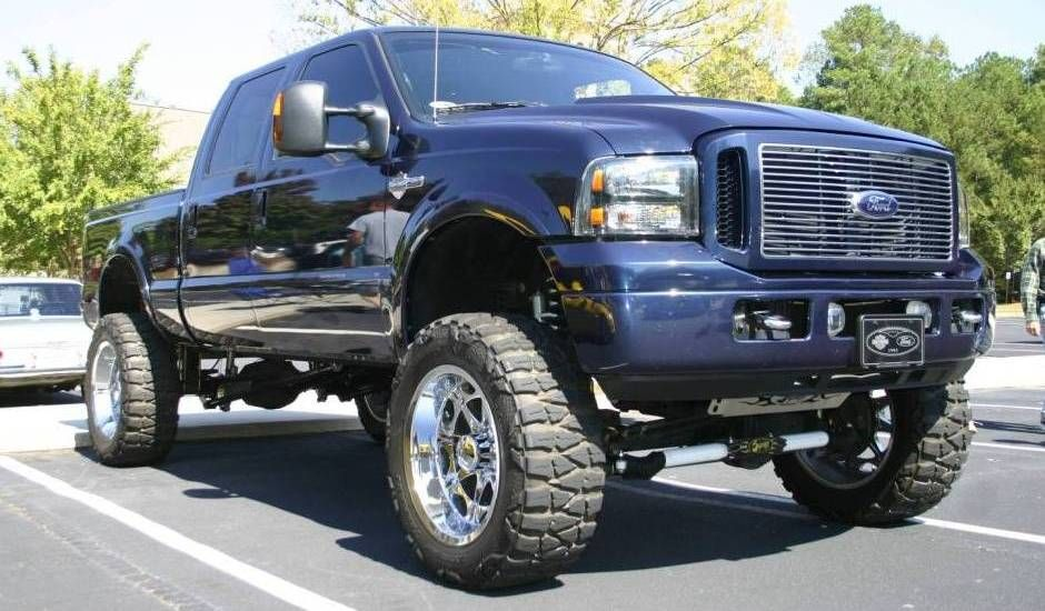 Lifted 2005 ford f250 super duty harley davidson truck for Hillside elevator kit