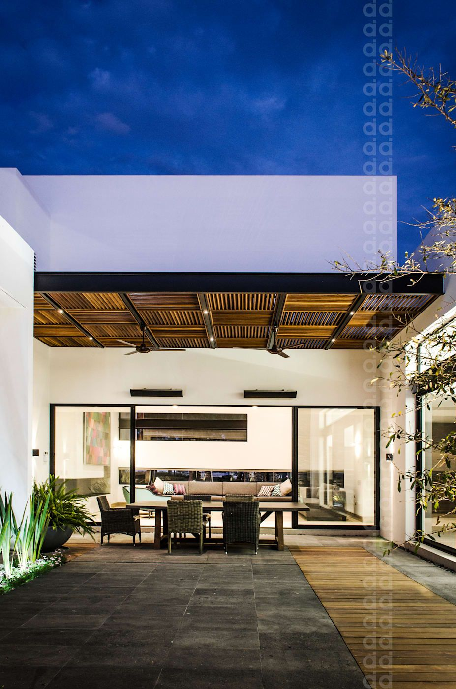 Casa Agr Balcones Y Terrazas Modernos De Homify Moderno En