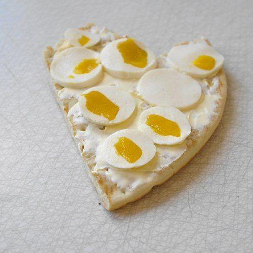 Heart egg cracker