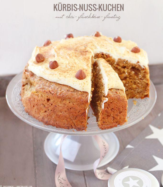 Teechen Und Ein Stuck Kurbis Nuss Kuchen Dazu Nuss Kurbis Und