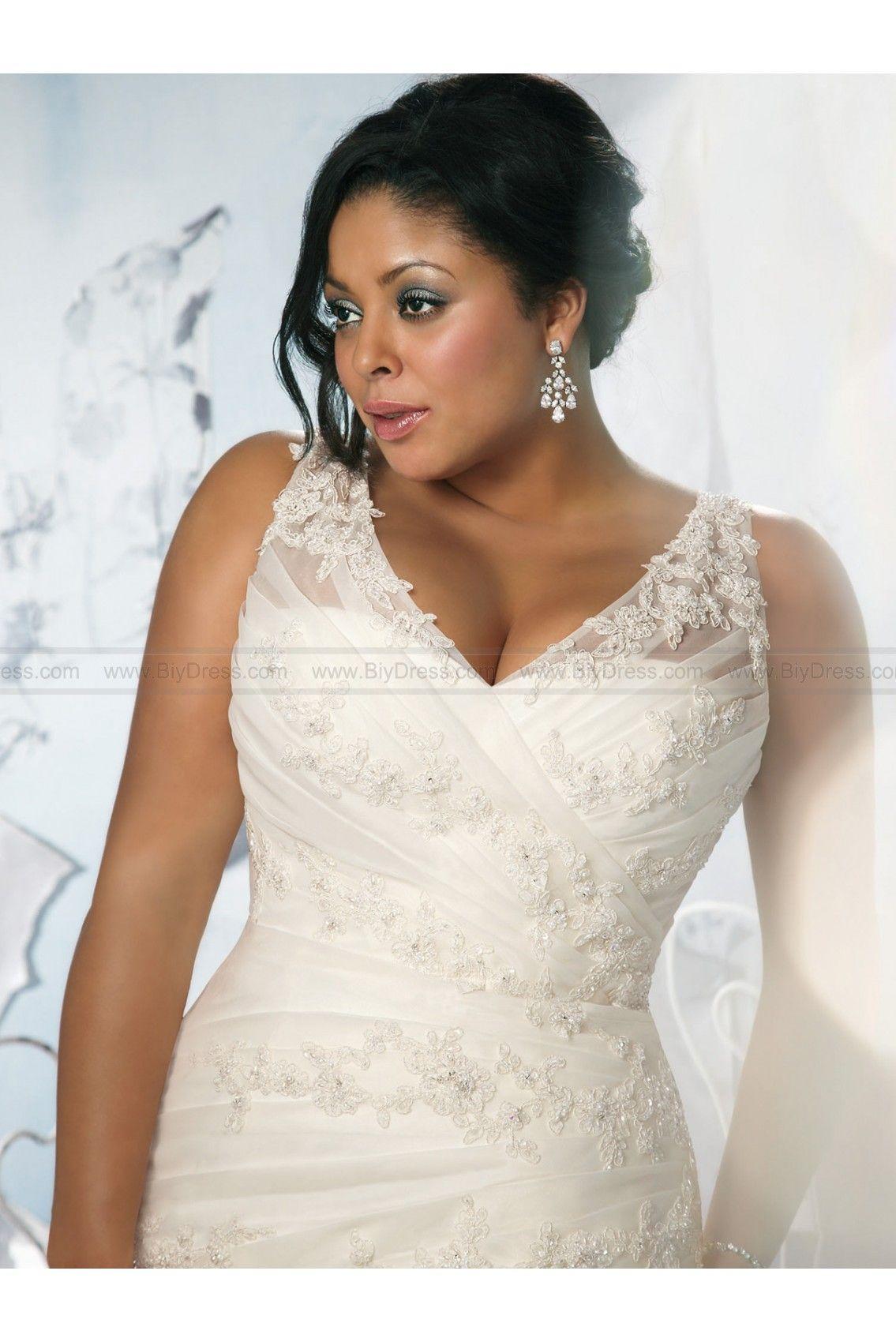 Gorgeous flowing aline bridal dress julietta by mori lee wd