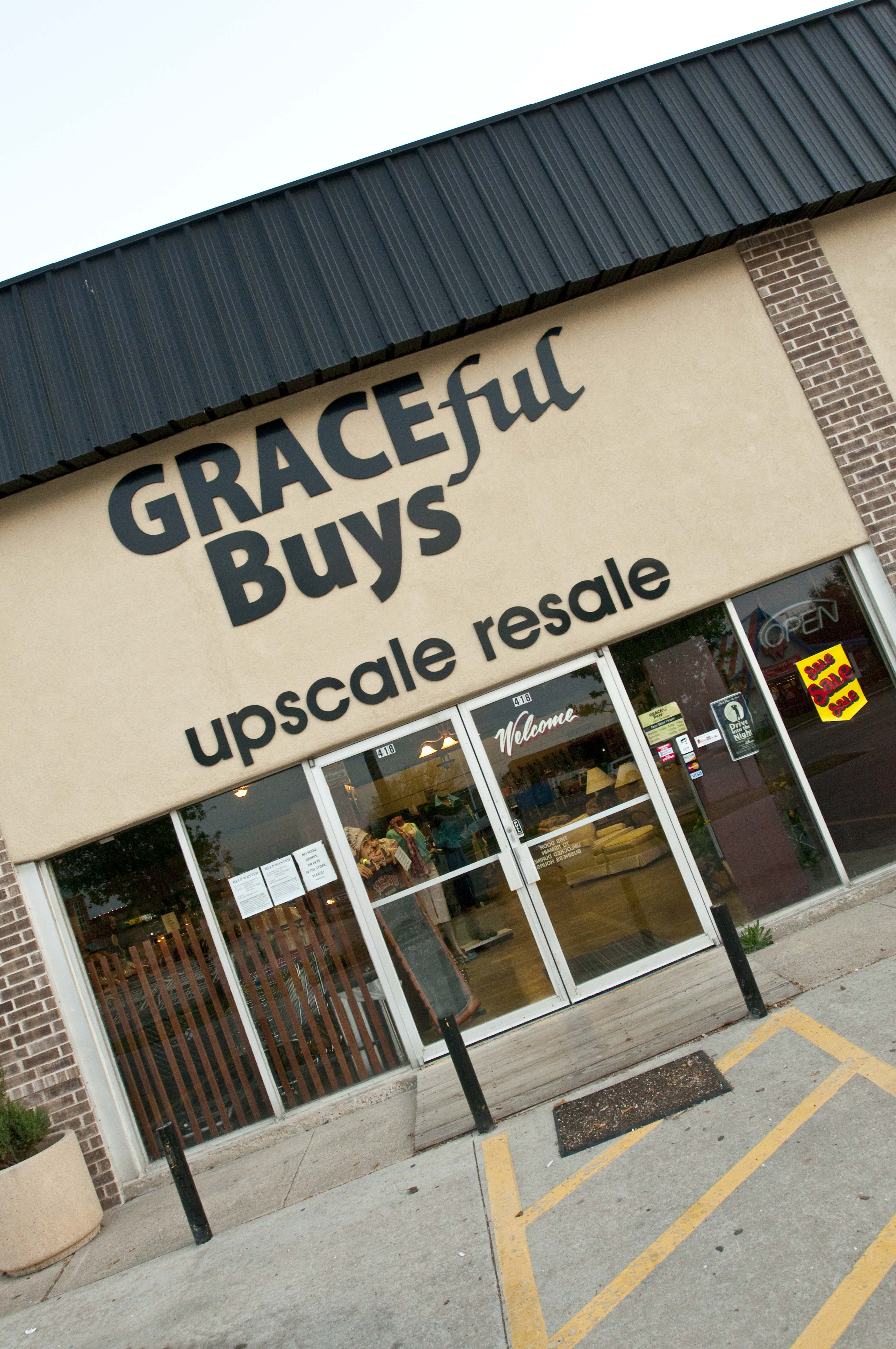 store front at 419 e northwest hwy in grapevine tx graceful buys upscale resale discount. Black Bedroom Furniture Sets. Home Design Ideas