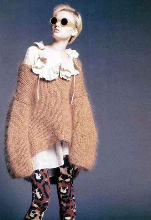 pastelpunkbird:    Spur magazine, styled byFusae Hamada. Sweater is by Dries Van Noten and tights are by Diane Von Furstenberg.    absoluetly love this jumper. see it everywhere. love the over exaggerated sleeves and size. and the fluffiness..