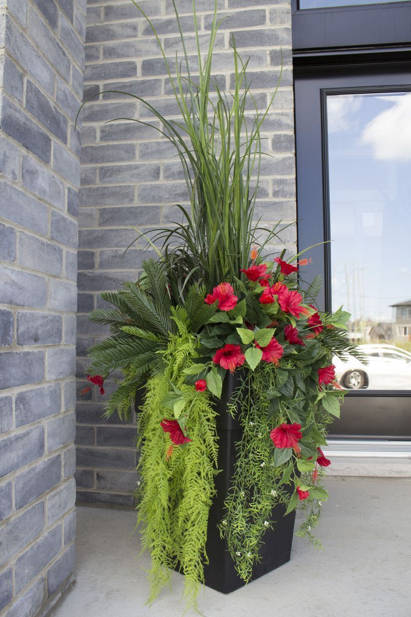Modern Outdoor Space With Artificial Plants 400 x 300