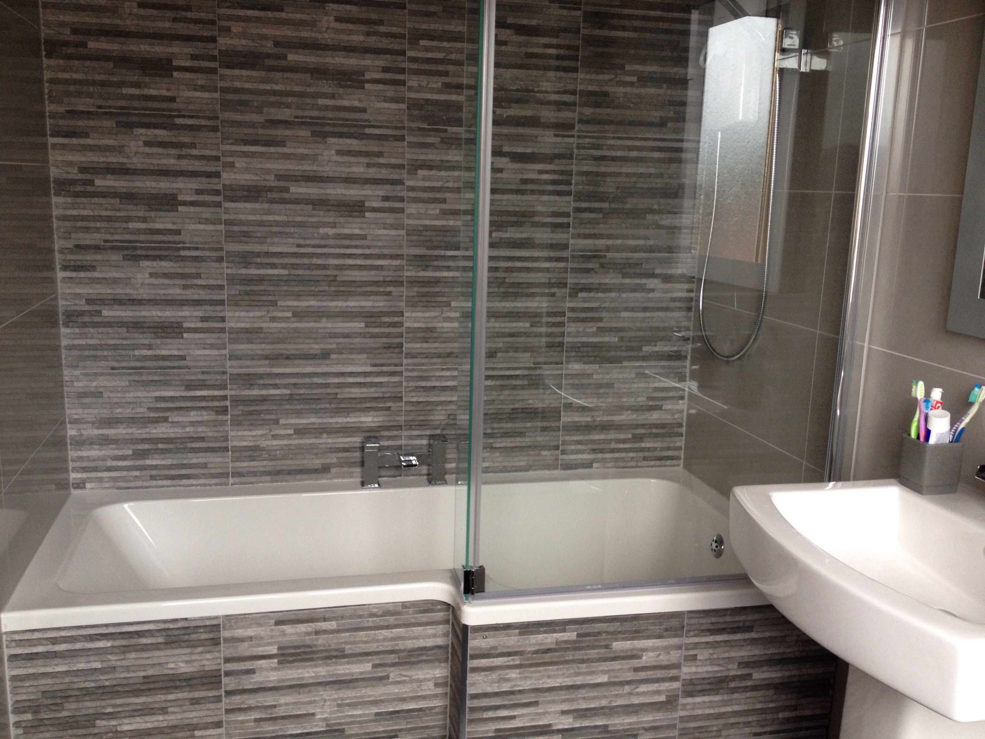 L Shaped Bath Screen Tiles Bathroom Design Simple Bathroom
