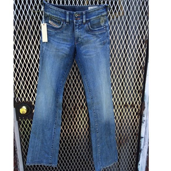 Diesel jeans style is Ronhar NWT Size 25 and 34 inches long make me an offer. Diesel Pants Boot Cut & Flare