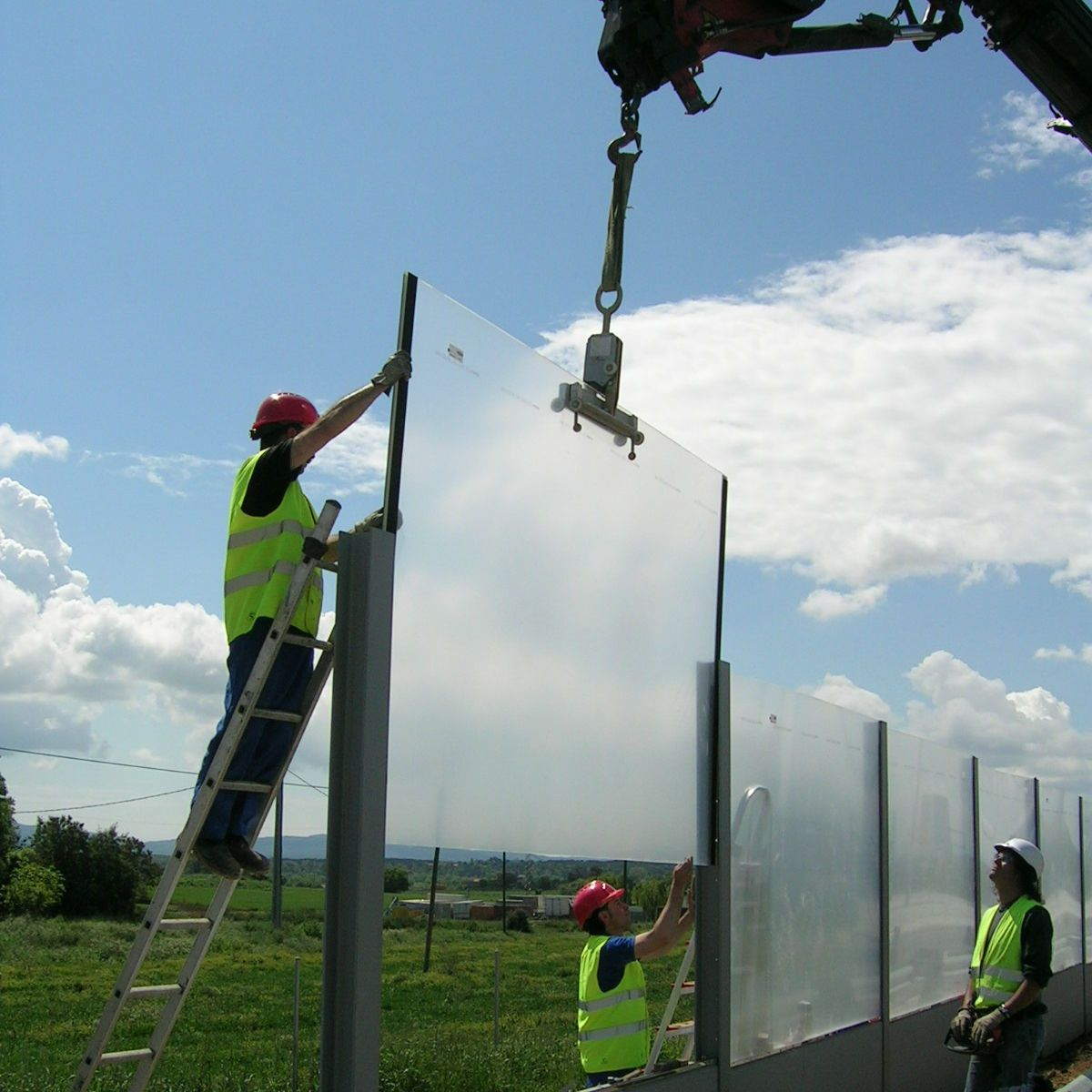 Noise Barrier With Modular Panels Polycarbonate For