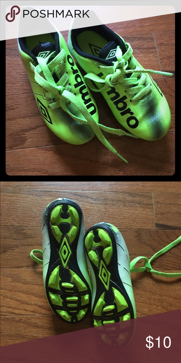 Kids Soccer Cleats ⚽️ Size 10 kids soccer cleats, that can be used for a boy or girl! Only worn one season, super cute :) make an offer! Umbro Shoes Sneakers