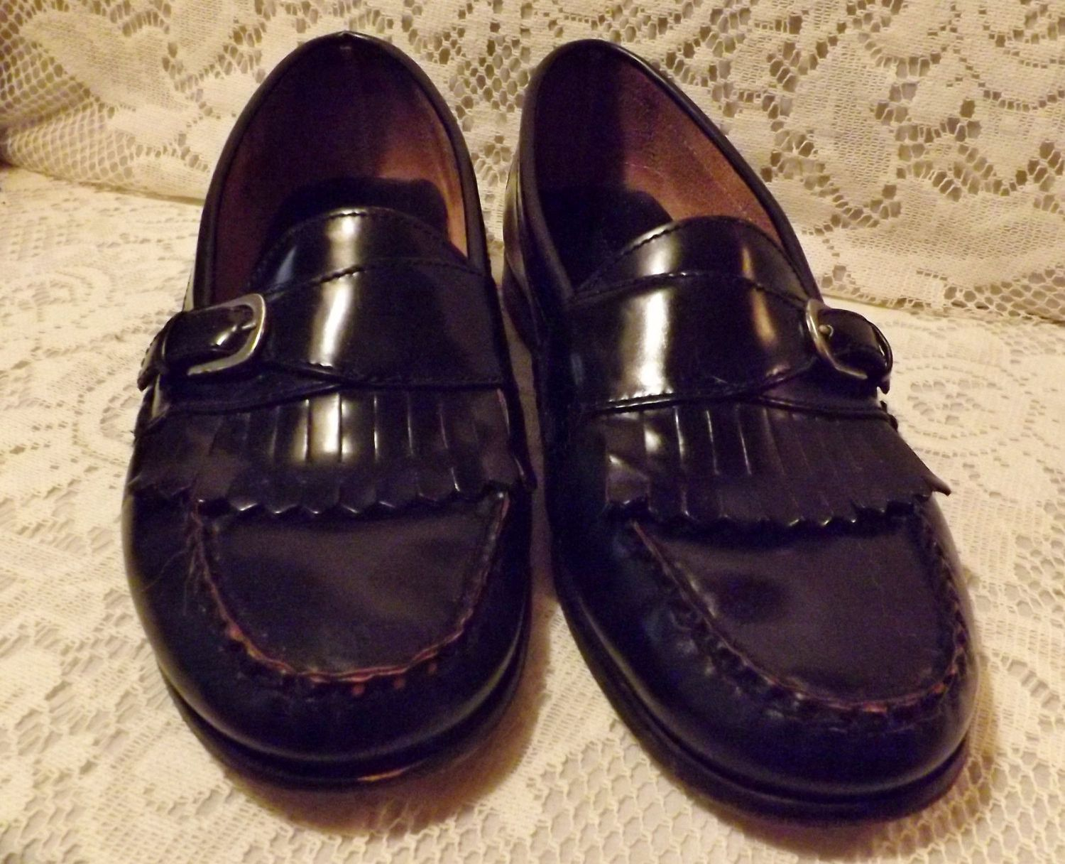 87aa154cfc5 80s Bostonian Mens Black Leather Loafer Fringe and Buckle Size 9 ...
