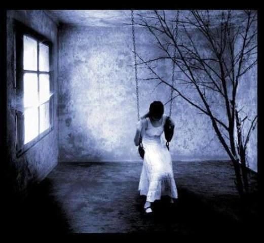 """""""La soledad es ver pasar las horas desnudas, sin metáforas que la disgreguen y la encubran""""   #fraseschmidt"""