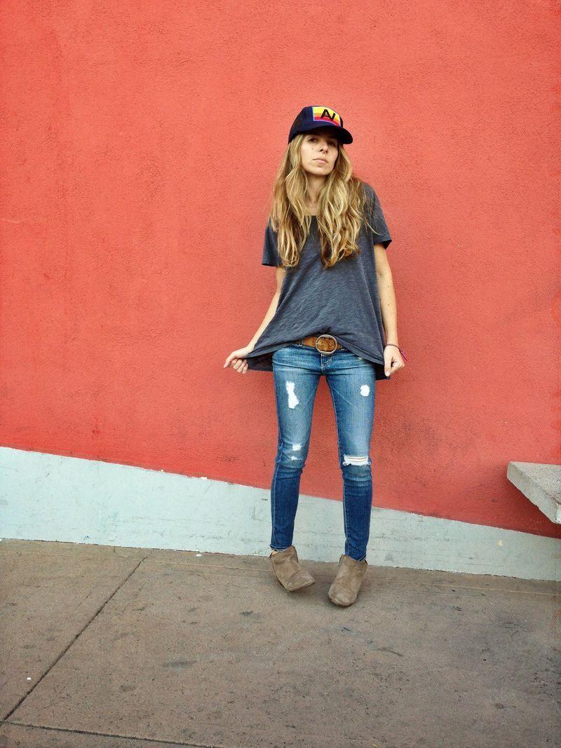 favorite jeans, favorite tee, favorite boots //