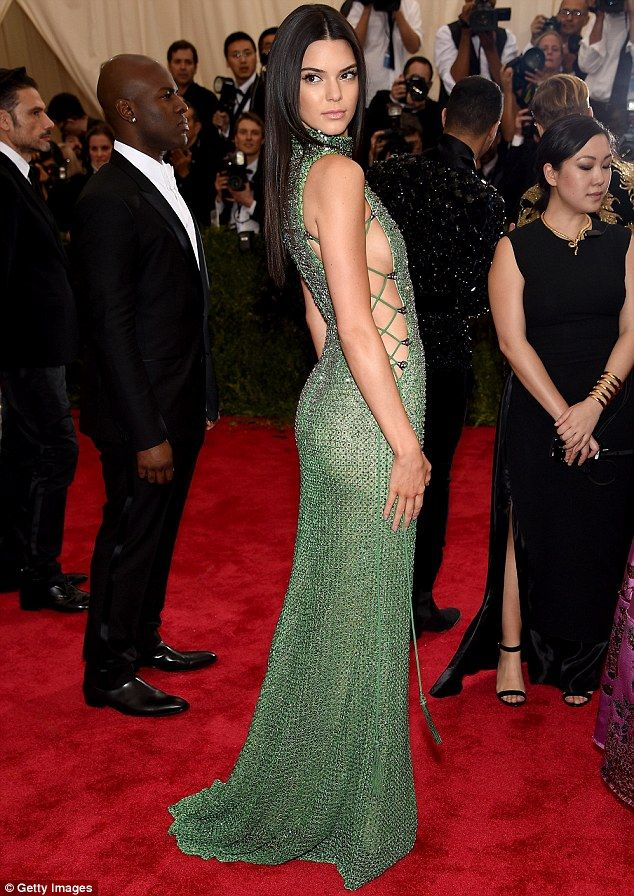 Kendall Jenner displays tons of side boob in crystal gown at Met ...
