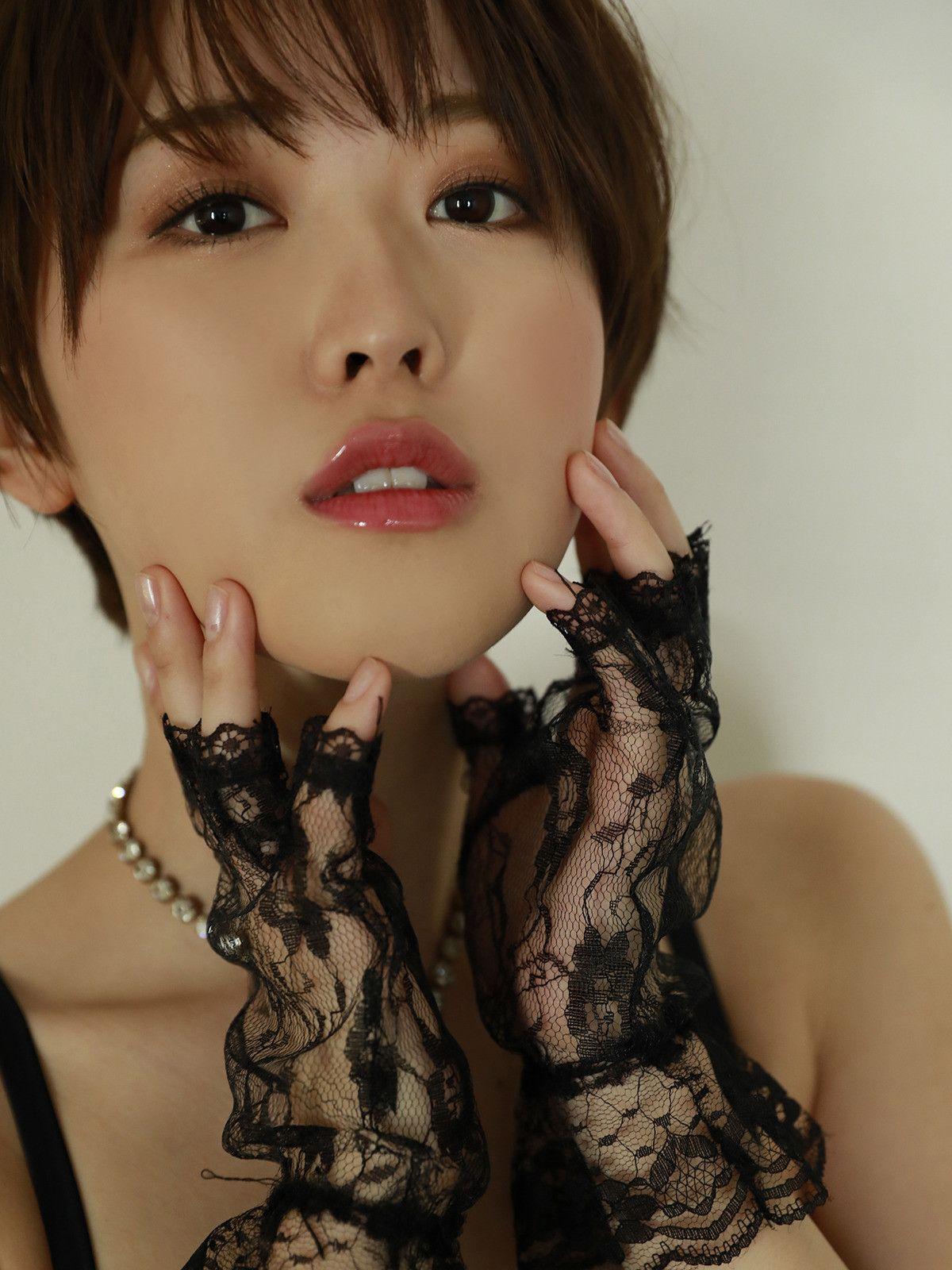 Asian Babes DB » Busty Schoolgirl Asian