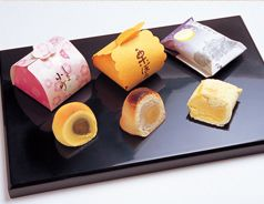 御菓子のご紹介 our OMOTENASHI   湯島、天神様お膝元の喫茶・御菓子司「つる瀬」