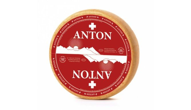 Der Anton ist ein Schweizer Bergkäse aus Rohmilch, der in einem Felsenkeller aus Kalksandstein reift.