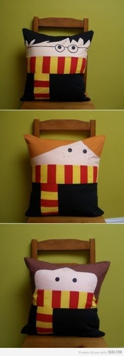 Harry Potter Cushions Pillows: Harry Potter, Ronald Weasley and Hermione Granger.